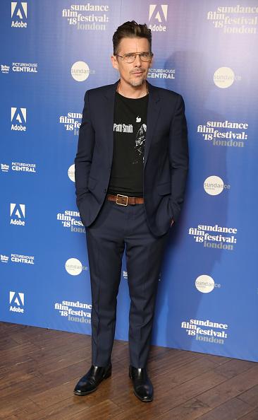 男「Sundance Film Festival: 'First Reformed' Red Carpet Arrivals」:写真・画像(4)[壁紙.com]