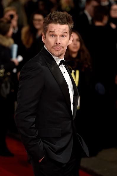 One Man Only「EE British Academy Film Awards 2015 - Red Carpet Arrivals」:写真・画像(7)[壁紙.com]