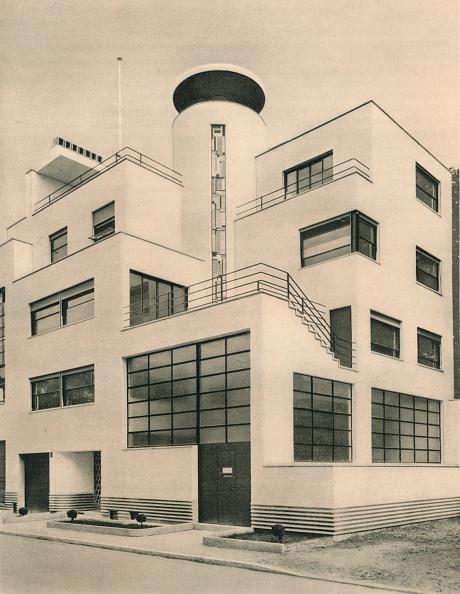 アールデコ「'House of M. M. Joel and Jan Martel, scupltors, Rue Mallet-Stevens, Auteuil', c1927」:写真・画像(3)[壁紙.com]