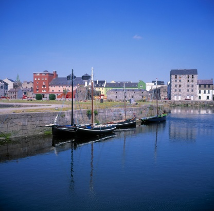 """Economic fortune「""""RIver Corrib and Quays, Galway City, Co Galway, Ireland""""」:スマホ壁紙(10)"""