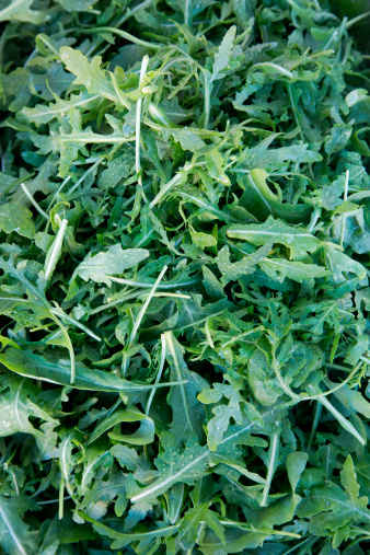 Arugula「Fresh rucola salad leaves for sale at market」:スマホ壁紙(10)