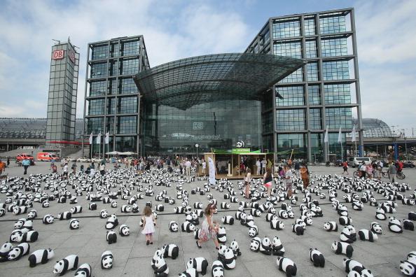 World Wildlife Fund「1,600 Panda Sculptures Highlight World Wilflife Fund 50th Anniversary」:写真・画像(2)[壁紙.com]