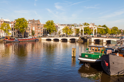 Amsterdam「The Magere Brug bridge over river Amstel in Amsterdam」:スマホ壁紙(18)