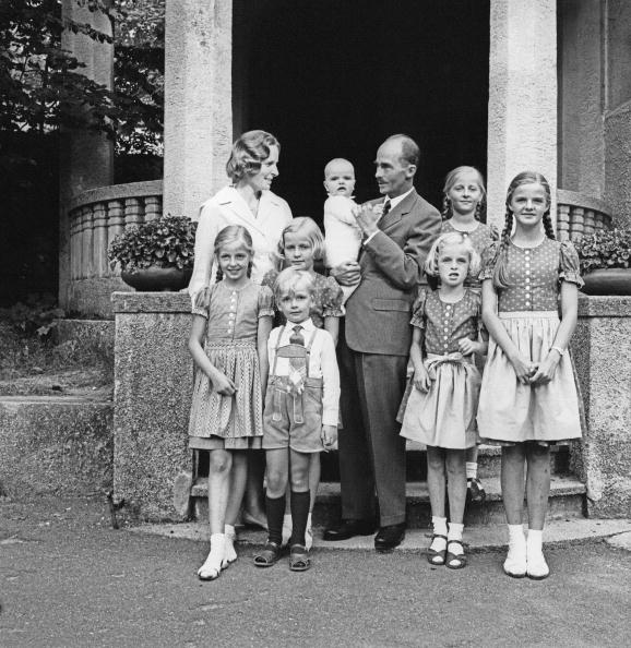 Traditional Clothing「Otto Habsburg with his family, Photograph, 1965」:写真・画像(18)[壁紙.com]