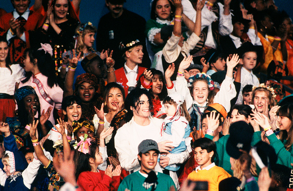 George Rose「Singer Michael Jackson Performs at Superbowl XXVII」:写真・画像(12)[壁紙.com]