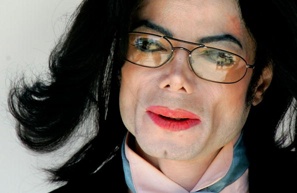 Michael Jackson「The Michael Jackson Trial Continues」:写真・画像(8)[壁紙.com]