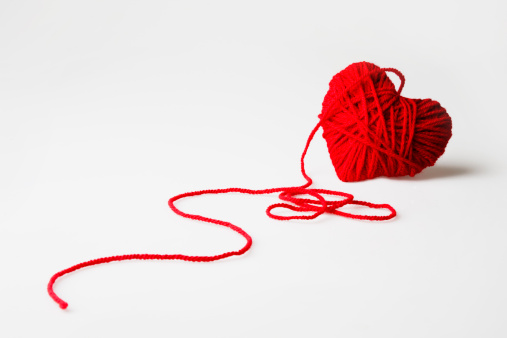 Ball Of Wool「Red heart-shaped wool ball unraveling」:スマホ壁紙(12)
