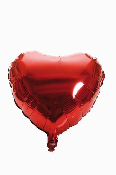 Red heart-shaped Balloon, close-up:スマホ壁紙(壁紙.com)