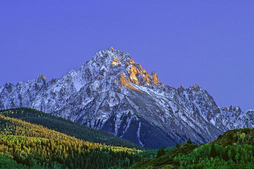 San Juan Mountains「mountain landscape sunset with snow and aspen trees」:スマホ壁紙(17)
