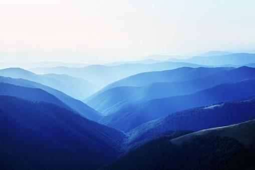 地質構造「山の風景」:スマホ壁紙(17)