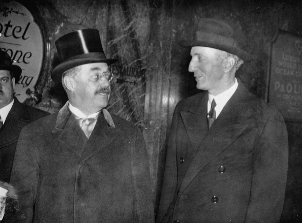 Politics and Government「The Austrian finance minister Karl Buresch (left) and the Austrian ambassador in London Baron Georg Albert Franckenstein on the way to the chancellor ot the Exchequer Neville Chamberlain. Photograph. November 28th 1934. (Photo by Imagno/Getty Images) Der ?」:写真・画像(14)[壁紙.com]