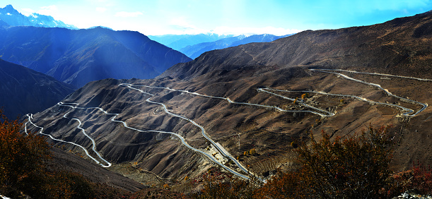 Steep「Kawa Hide road big turn,China」:スマホ壁紙(0)
