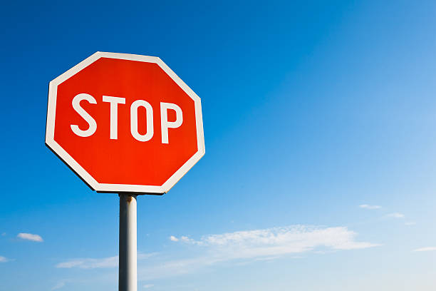 Stop sign:スマホ壁紙(壁紙.com)