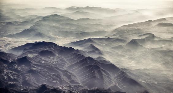 Multi-Layered Effect「Misty mountain horizon」:スマホ壁紙(10)