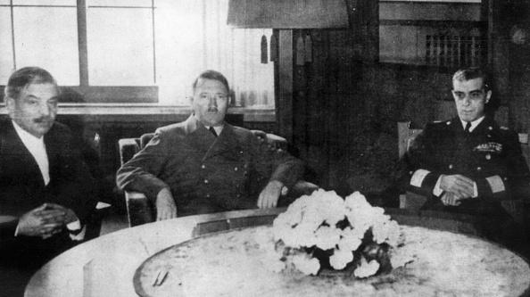 Table「Pierre Laval」:写真・画像(5)[壁紙.com]