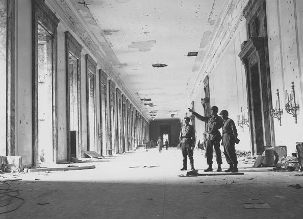 Fred Ramage「Berlin Ruins」:写真・画像(13)[壁紙.com]