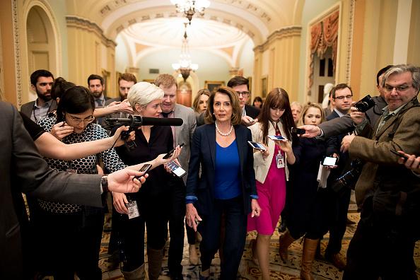 Aaron P「Senate Debates Passage Of Continuing Resolution As Shutdown Deadline Looms」:写真・画像(2)[壁紙.com]