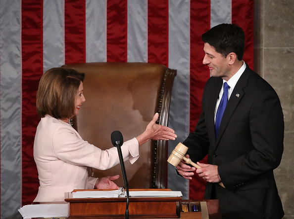 Speaker of the House「Paul Ryan Swears In Members Of The 115th Congress」:写真・画像(3)[壁紙.com]
