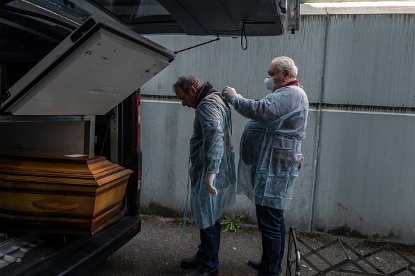 France「Coronavirus Takes High Toll In Grand Est Region, Epicenter Of Country's Outbreak」:写真・画像(4)[壁紙.com]