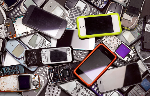 Heap「Recycling mobile and smart phones」:スマホ壁紙(16)