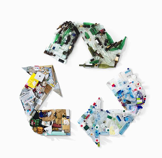 Recycling materials in shape of recycling symbol:スマホ壁紙(壁紙.com)