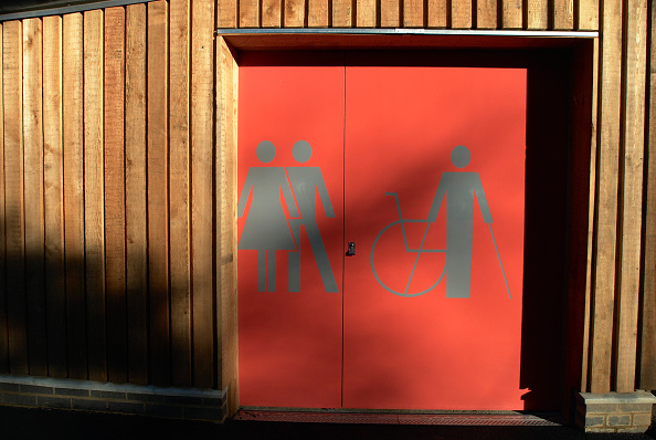 Bathroom「Toilet wing of the arts and craft shelter at Christchurch Park, Ipswich, UK」:写真・画像(13)[壁紙.com]