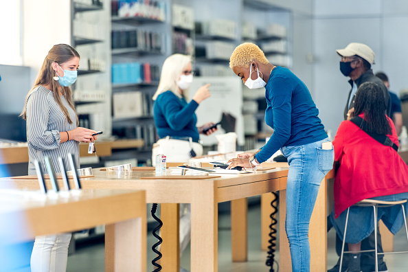 Reopening「Apple Re-Opens Retail Store In Charleston, SC Amid COVID-19 Pandemic」:写真・画像(4)[壁紙.com]