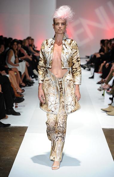 Alexander McQueen - Designer Label「2nd Annual Genlux Britweek Designer Of The Year Fashion Awards And Show」:写真・画像(9)[壁紙.com]