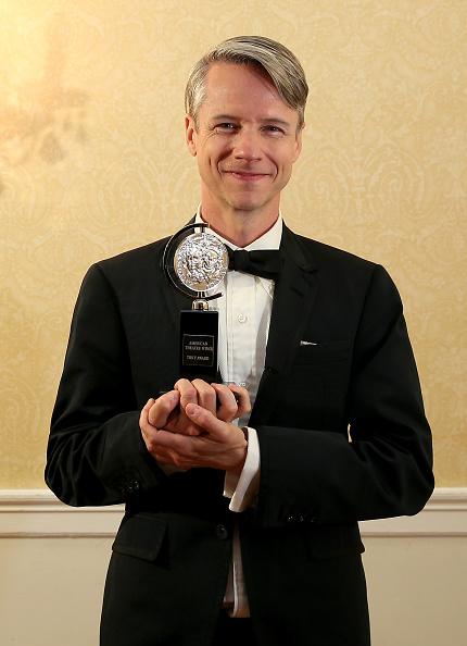 John Cameron Mitchell「2015 Tony Awards - Press Room」:写真・画像(5)[壁紙.com]