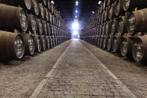 Basement「Porto wine cellar」:スマホ壁紙(2)
