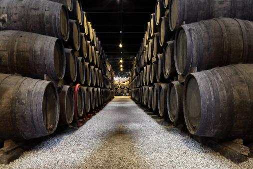 ブランデー「ポルトのワインセラー」:スマホ壁紙(15)