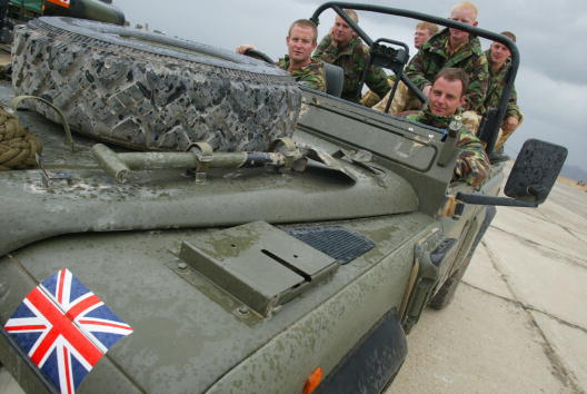 Bagram Air Base「British forces Prepare for Deployment at the Bagram Air base」:写真・画像(7)[壁紙.com]
