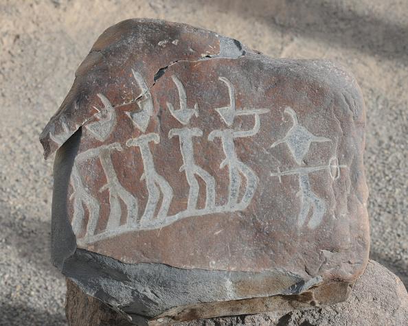 Animals Hunting「Stone Figures」:写真・画像(10)[壁紙.com]