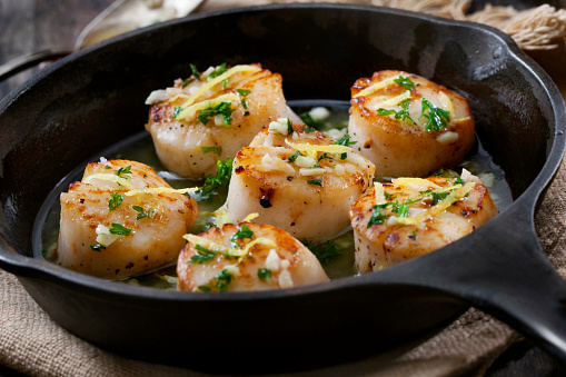 Scallop「Scallops Poached in a Butter and Garlic Sauce」:スマホ壁紙(18)