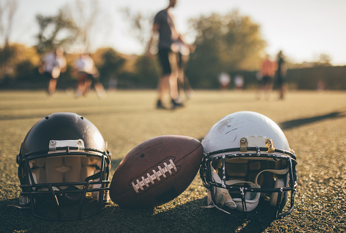 Safety「NFL helmets and ball on grass on training」:スマホ壁紙(10)