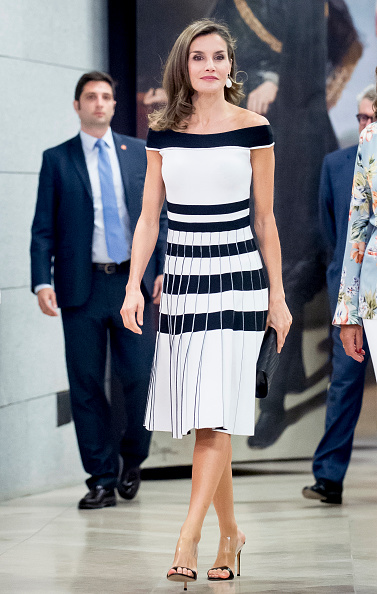 Letizia of Spain「Queen Letizia of Spain Receives Members of Oncology Congress 'Esmo 2017'...」:写真・画像(1)[壁紙.com]