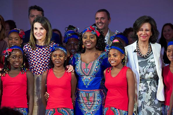 Finance and Economy「Queen Letizia Of Spain Attends 'Proyectos Sociales de Banco Santander' Awards」:写真・画像(15)[壁紙.com]