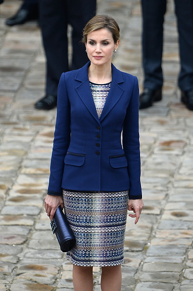 Blue Purse「King Felipe Of Spain and Queen  Letizia Of Spain On Official Visit In France : Day 1」:写真・画像(2)[壁紙.com]