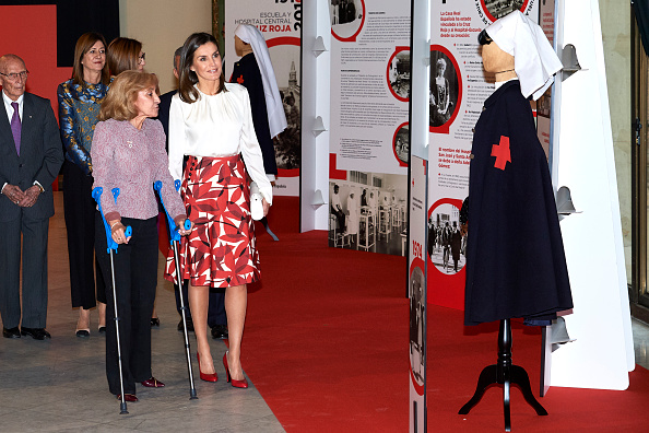 100th Anniversary「Queen Letizia Attends The Centenary Of The School Of Nursing and Of The Central Hospital Of Cruz Roja」:写真・画像(12)[壁紙.com]