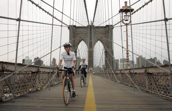 Breast「Jane Tomlinson Ends Her Cross-Country Ride In New York」:写真・画像(8)[壁紙.com]