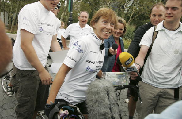 Breast「Jane Tomlinson Ends Her Cross-Country Ride In New York」:写真・画像(7)[壁紙.com]