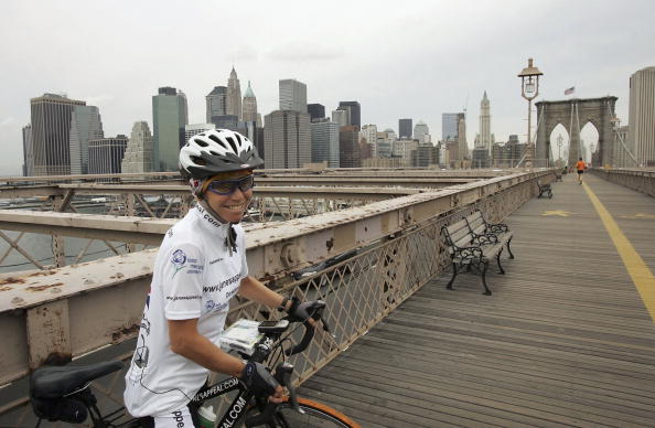 Breast「Jane Tomlinson Ends Her Cross-Country Ride In New York」:写真・画像(9)[壁紙.com]