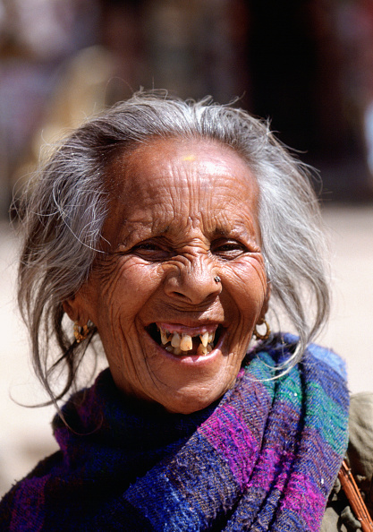 Full Frame「Nepalese Woman Laughing」:写真・画像(1)[壁紙.com]