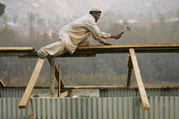 Indian Subcontinent Ethnicity「Winter Challenges Quake Survivors in Kashmir」:写真・画像(12)[壁紙.com]
