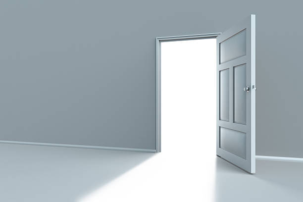 Opened door:スマホ壁紙(壁紙.com)