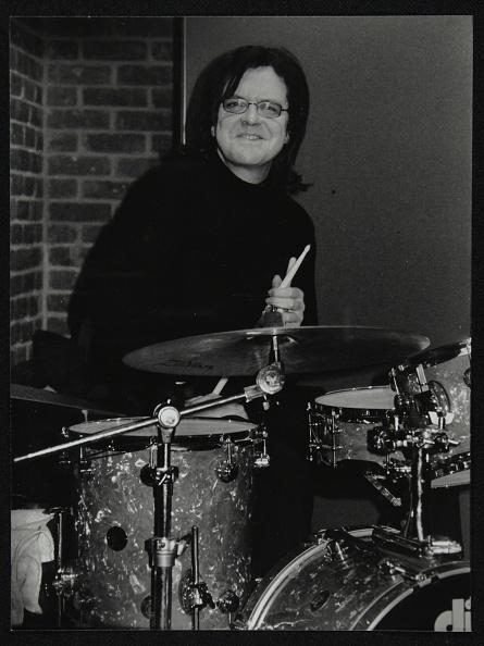 Long Hair「Drummer Pete Cater at The Fairway, Welwyn Garden City, Hertfordshire, 15 December 2002. Artist: Denis Williams」:写真・画像(8)[壁紙.com]