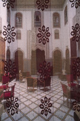 Fez - Morocco「Courtyard through Curtain」:スマホ壁紙(12)