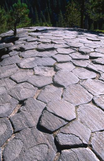 Basalt「Top surface of basalt columns of Devils Postpile National Monument.」:スマホ壁紙(19)