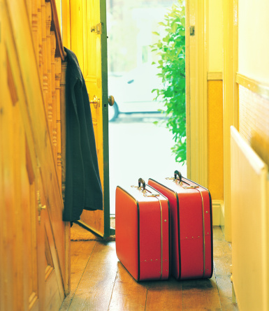 Front Door「Luggage in hallway by open door」:スマホ壁紙(15)