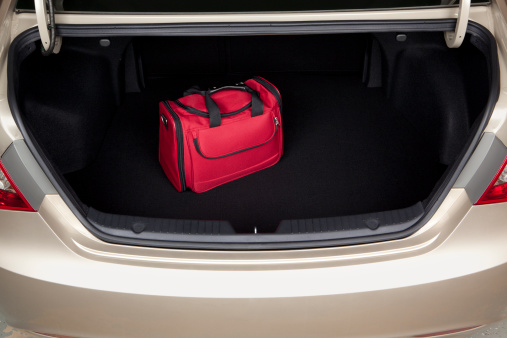 Suitcase「Luggage in Car Trunk」:スマホ壁紙(13)